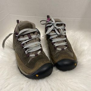 KEEN WOMEN WALKING HIKING SHOE WATERPROOF GRAY
